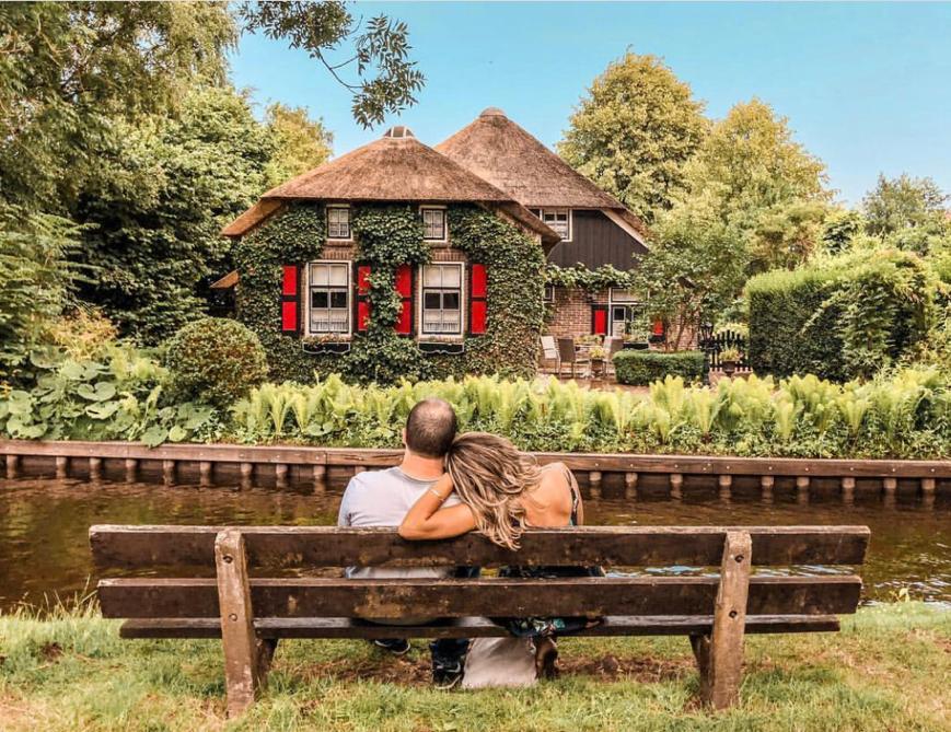 About Giethoorn village
