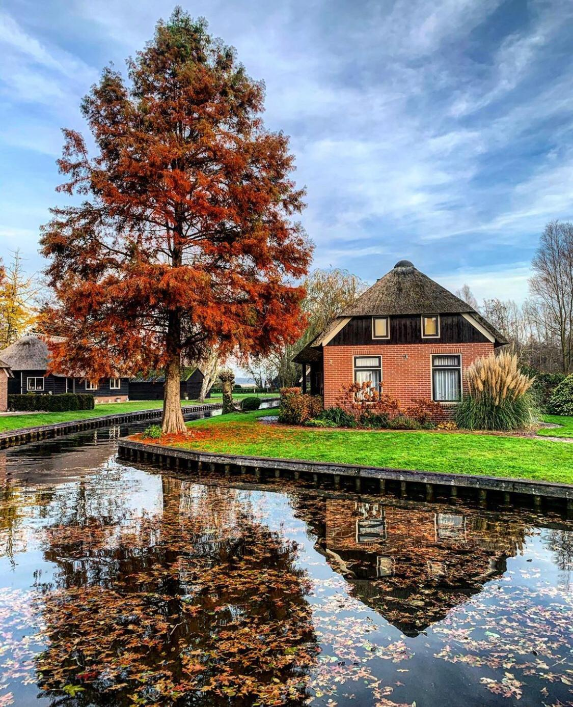 About Giethoorn