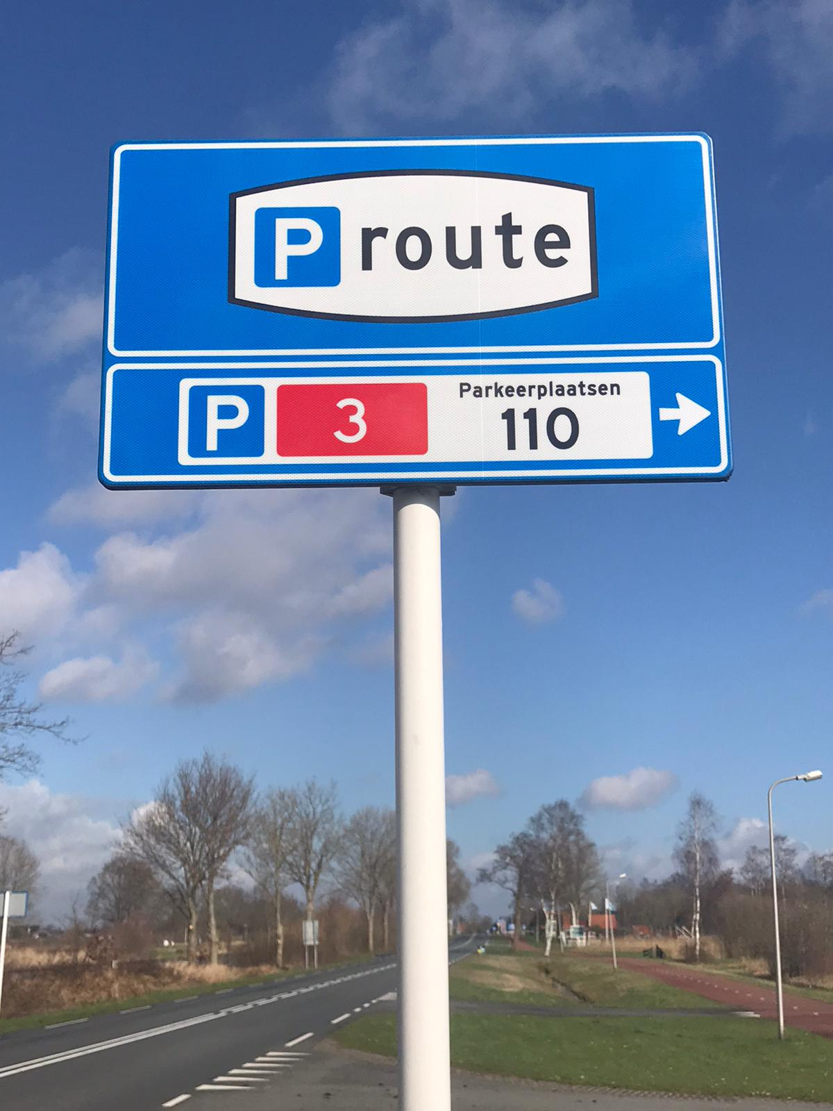 Parking in Giethoorn 4
