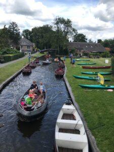 Giethoorn boat rental